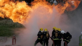 Експлозия в жилищна сграда в Полша погреба трима души