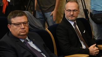 Панов призова да се разследва търговия с влияние заради изказвания на Борисов и Цацаров