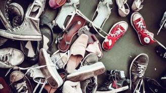 Откраднаха шкаф със стари обувки в Благоевград