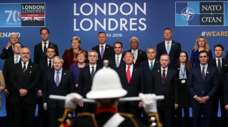 НАТО избегна челен сблъсък на срещата си на върха