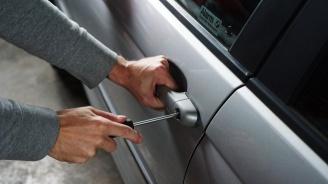 Хванаха 16-годишен с краден автомобил в Първомай