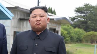 """Северна Корея обеща на САЩ """"неприятен коледен подарък"""""""