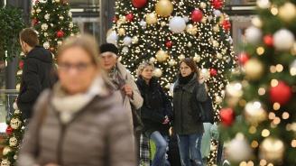 Тази Коледа ще похарчим още повече пари