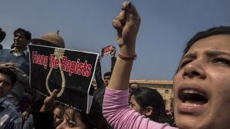 Индийка почина, след като беше групово изнасилена и запалена
