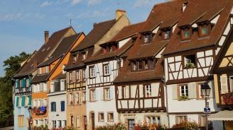 Френска кметица забрани на хората да умират през почивните и празнични дни