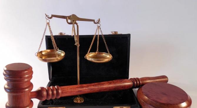 Осъдиха служителка в детска градина за присвояване на пари
