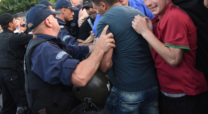 "Комшии се млатиха на бул. ""Русия"" в Добрич"