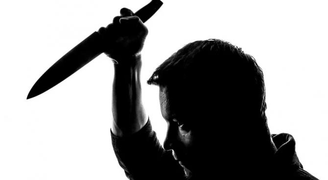 Пловдивчанин извади нож на полицаи