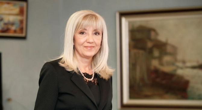 Аврамова: Ако има грешка, тя е в забавянето на въвеждането на воден режим в Перник