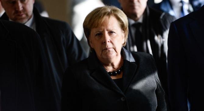 Меркел предупреди за опасност от изнасяне на компании от Германия