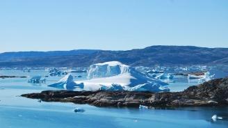 Топенето на ледовете в Гренландия е повишило нивото на моретата с 11 милиметра