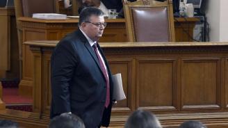 Сотир Цацаров е новият председател на КПКОНПИ, следобед подава оставка като главен прокурор