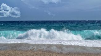 """Дават на концесия морските плажове """"Градина - Централен"""" и """"Елените"""""""