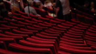 Унгарският парламент прие закон за по-строг контрол над театрите