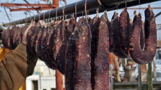 Фермерските пазари настояват да падне забраната за продажби на свинско месо и колбаси
