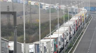 77% от българите смятат, че е справедливо тировете и автобусите да плащат по-високи такси от колите