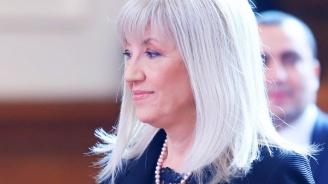 Министър Аврамова коментира стачката на автобусните превозвачи