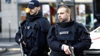 Убиха мъж, заплашил парижки полицай с нож