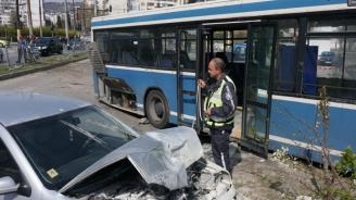 Катастрофа между кола и автобус в Русе: Има пострадали