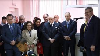 Радев и Великият магистър на Малтийския орден откриха апарат за рехабилитация на деца във виртуална среда