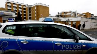 Намериха боеприпаси и газови бутилки в жилищния блок в Германия, където стана експлозия