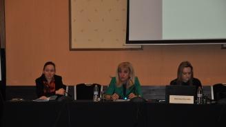 Министър Аврамова:  За обновяването на 39 града са осигурени 1,6 млрд. лева
