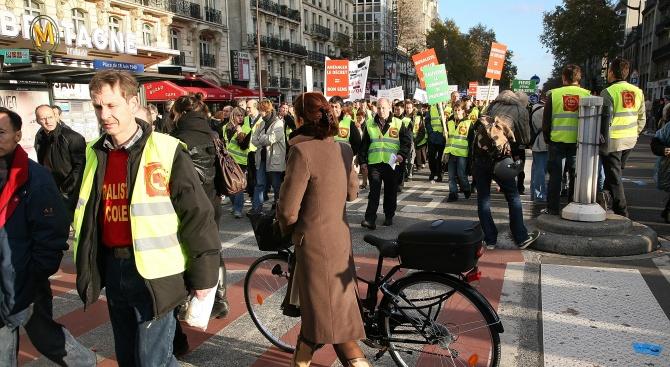 Водачи стягат предколедна блокада във Франция?