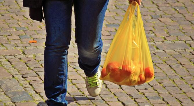 Северна Македония забранява найлоновите торбички от 2021 г.