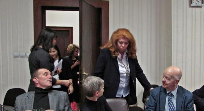 Съветът за работа с българите в чужбина към Йотова обсъди предстоящия форум със сънародниците зад граница