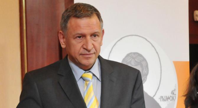 Д-р Стойчо Кацаров: Освен труднодостъпна, медицинската помощ е и некачествена