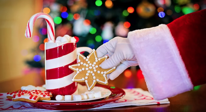 Коледен базар събира благотворително средства в Драматичен театър Пловдив