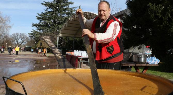 В Димитровград изядоха 50 килограма боб