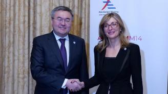 Екатерина Захариева се срещна с външния министър на Казахстан