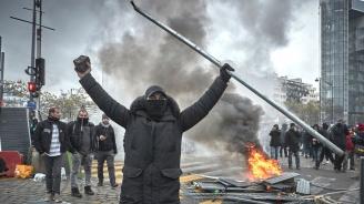 Стачни действия усложняват пътуванията във Франция