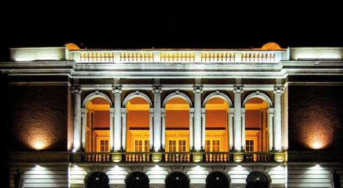 """Русенската опера представя балетния спектакъл """"Лешникотрошачката"""""""