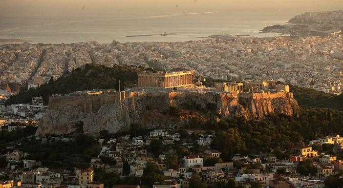 МВФ закрива представителството си в Атина