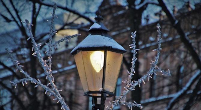 Обследват уличното осветление на 10 села в Добричко