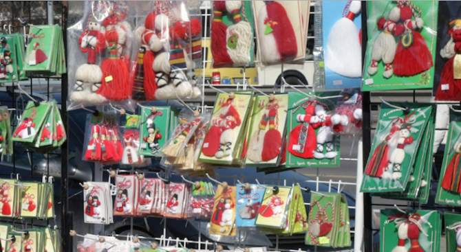 Продавачите на мартеници в Добрич ще теглят жребий за празничния базар