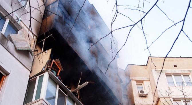 Взрив в жилищен блок във Варна, 4 деца и 7 възрастни са в болница