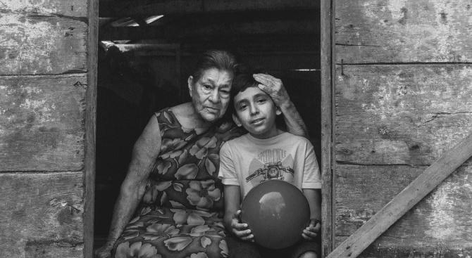 Дете спаси живота на баба си благодарение на видео в YouTube
