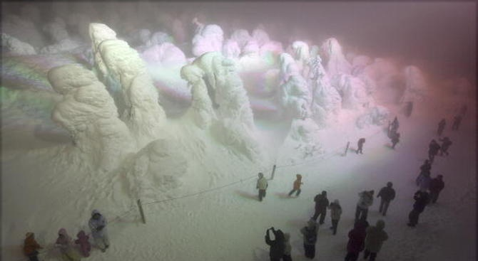 Зелен сняг наваля в Русия