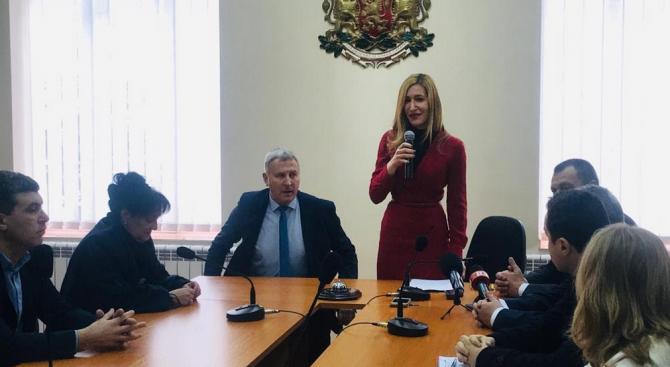 Ангелкова в Разлог: Първите резултати от внедряването на ЕСТИ сочат устойчивост в българския туризъм