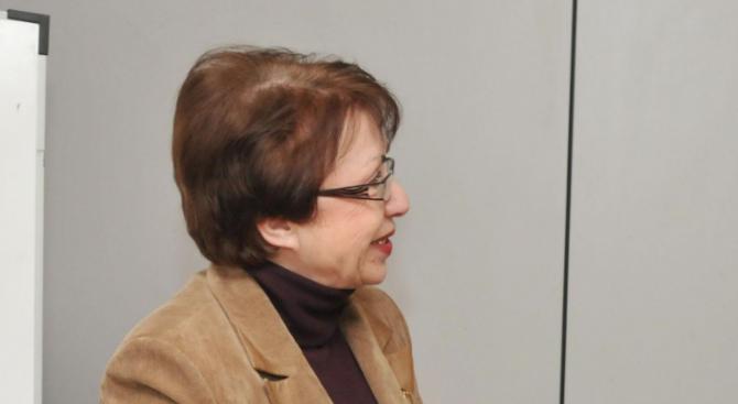 Евдокия Манева: Абсурдно е да назначаваш министър, за да е ревизор