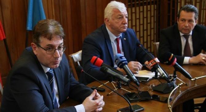 Кметът на Пловдив Здравко Димитров развърза възела с транспорта в града