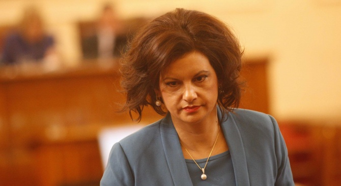 Даниела Дариткова: Правителството трябва да продължи своята работа