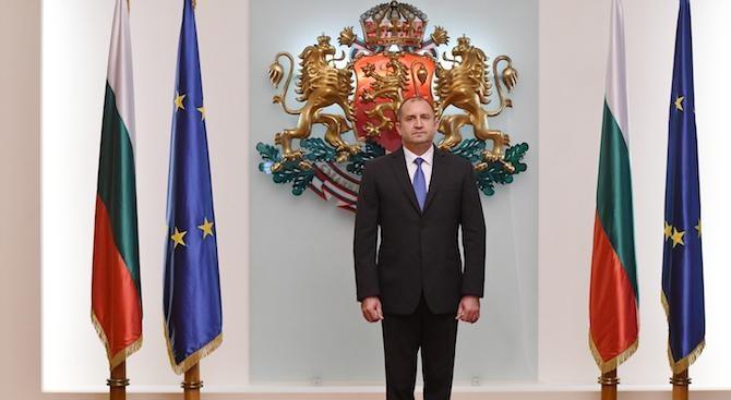 Румен Радев: За промени в Конституцията правя договорки единствено с българските граждани