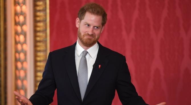 Принц Хари се появи за пръв път след промяната в живота му