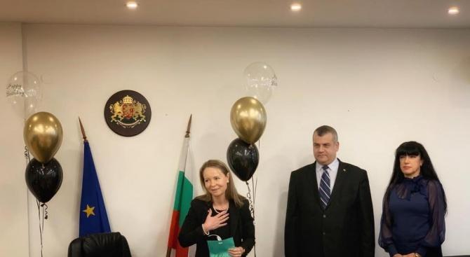 Ръчна граната подариха на областния управител на Пловдив