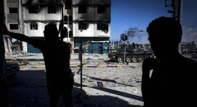 Алжир и Италия се ангажираха да работят за трайно примирие в Либия