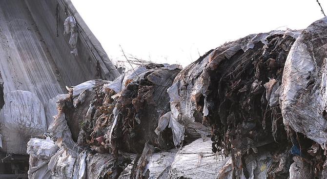 Контейнери с италиански боклук са пристигнали на пристанището във Варна